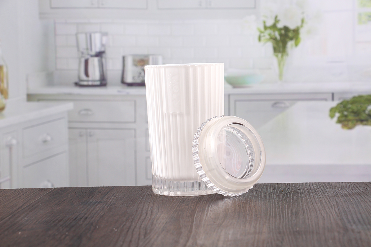 White candle jars
