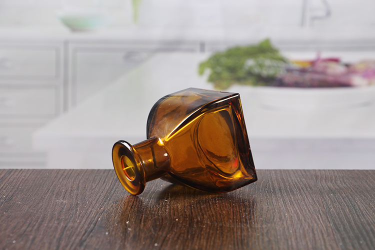 Glass aromatherapy bottle